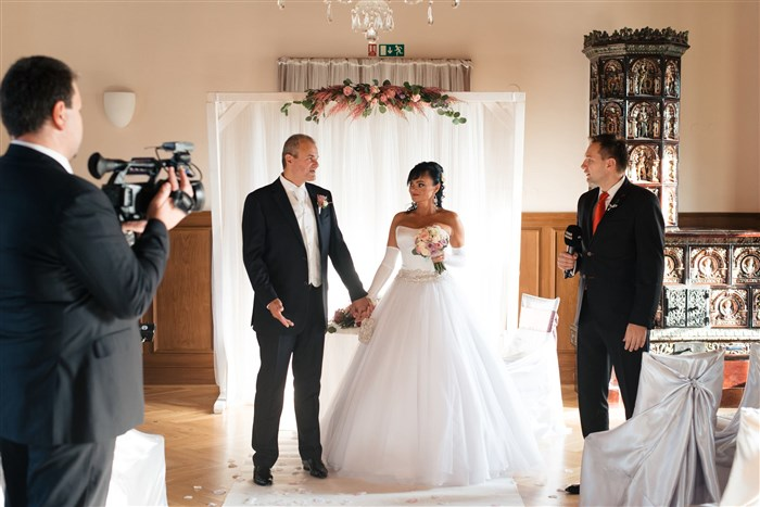 Svatebni Saty