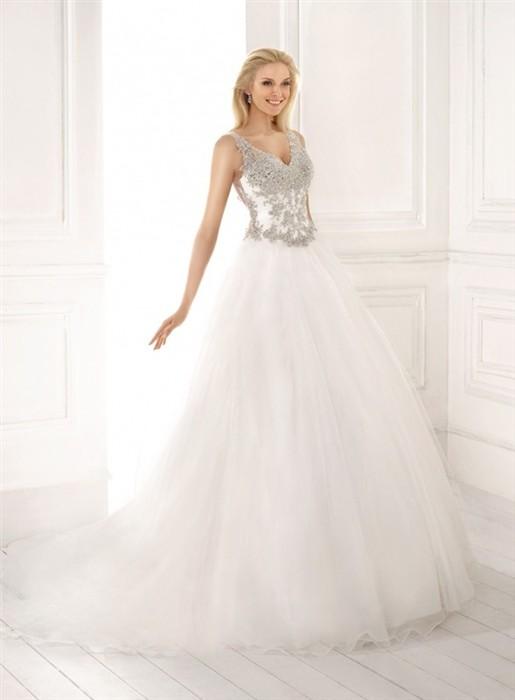 ... Výprodej svatební šatyKorsica. PrevNext ee86f9e874
